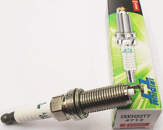 Свеча зажигания DENSO IXEH22TT - изображение 2