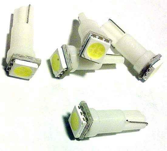 Лампа (LS35) светодиодная T5 (W2х4,6d) 1 SMD5050 белая 12V  932054 - изображение
