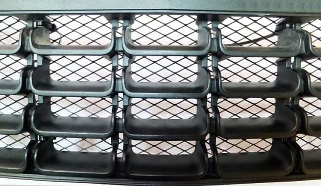 Сетка декоративная на бампер BD-0012 (100х37см) черная, средняя ячейка - изображение 2