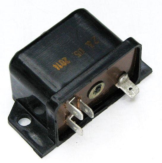 Реле 702 контроля заряда АКБ ВАЗ 2101 82.3777 (2101-3702600) - изображение 2