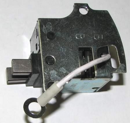 Регулятор напряжения ВАЗ 2108 старого образца (56.3702) - изображение