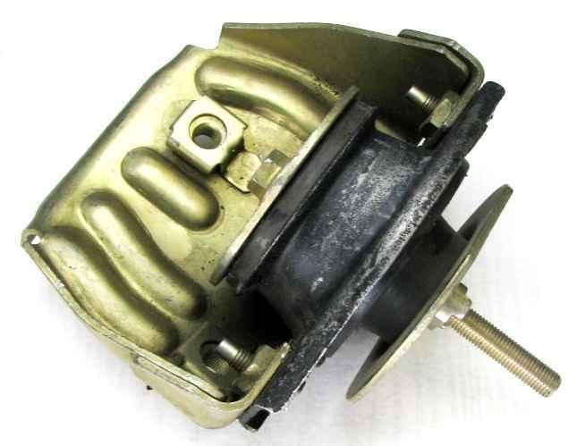 Опора двигателя ВАЗ 2110 правая с кронштейном (2110-1001195) - изображение