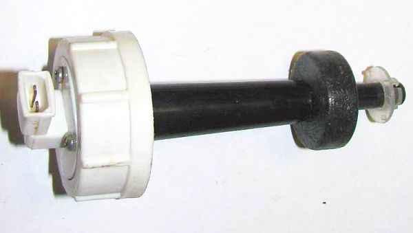 Фото №15 - датчик уровня охлаждающей жидкости ВАЗ 2110