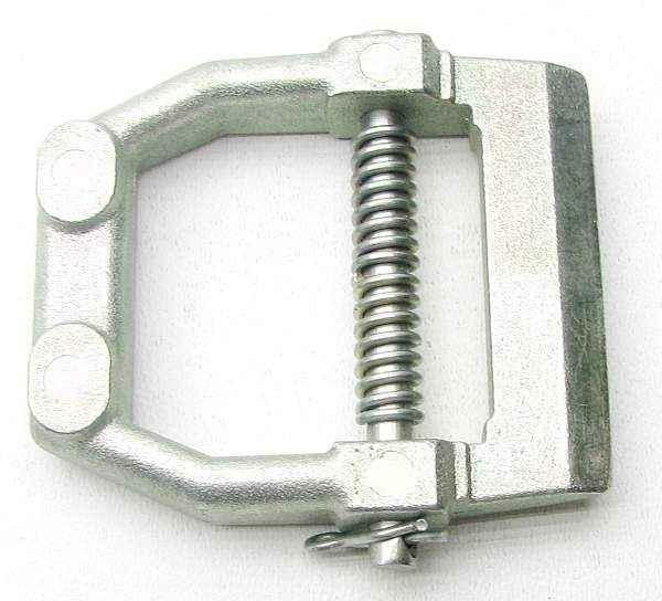 Шайба стопорная (серьга) суппорта ВАЗ 2121 Нива (2121-3501163) - изображение