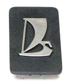 Заводской знак ВАЗ 2107, ПЛАСТИК (2107-821206) - изображение