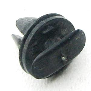 Пистон/клипса К134 обивки дверей ВАЗ 2105, 2107, 2121 г.Сызрань (2121-6102053) - изображение 1