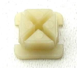 Пистон/клипса К141 под саморез ВАЗ 2108, г.Сызрань - изображение