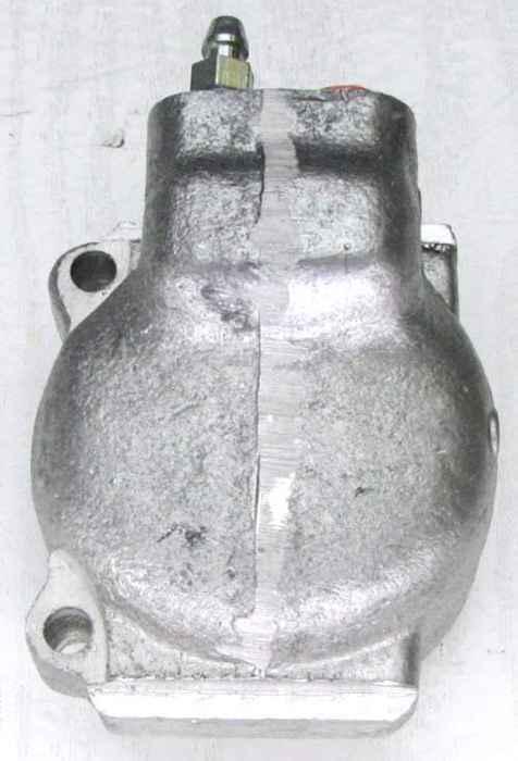 Цилиндр суппорта ВАЗ 2101, наружный правый, ТЗА (2101-3501180) - изображение 1