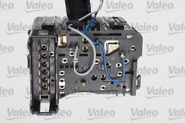 Выключатель на колонке рулевого управления VALEO 251593 - изображение 1