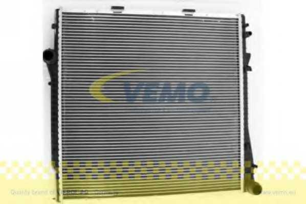 Радиатор охлаждения двигателя VEMO V20-60-1519 - изображение